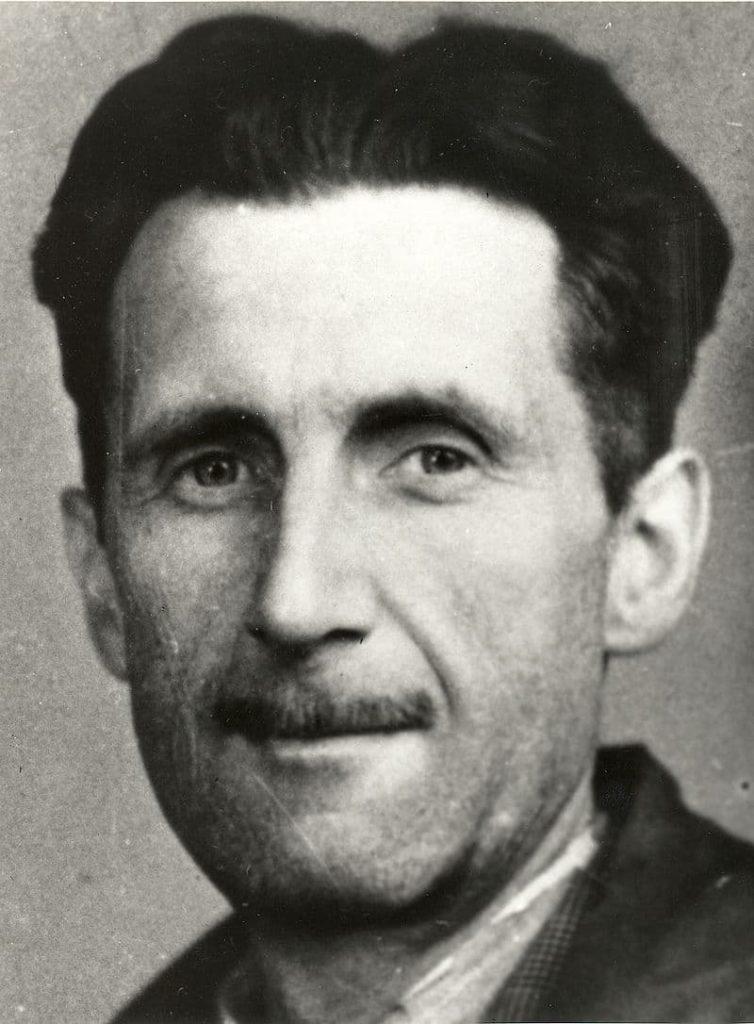 Portrait de George Orwell, auteur d'essais politiques