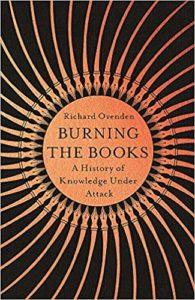 "Couverture du livre ""Burning the Books"", de Richard Ovenden"