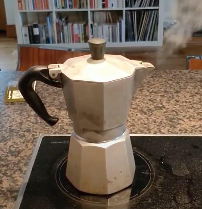 Ma fidèle cafetera Bialetti !